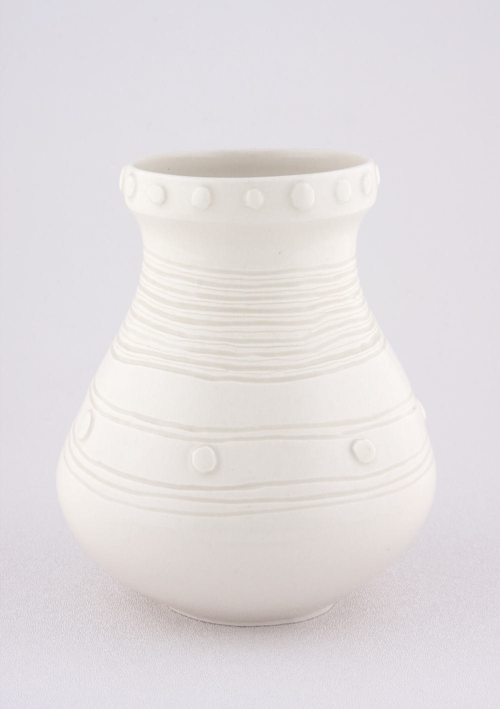 Shio Kusaka  Untitled (yayoi carving 3)  2009 Porcelain 6h x 5w x 5d in SK056