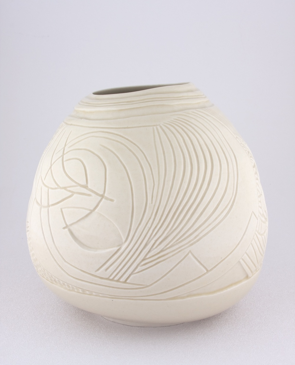 "Shio Kusaka Untitled (freestyle 2) 2009 Porcelain 7 1/2"" x 7 1/4"" SK047"