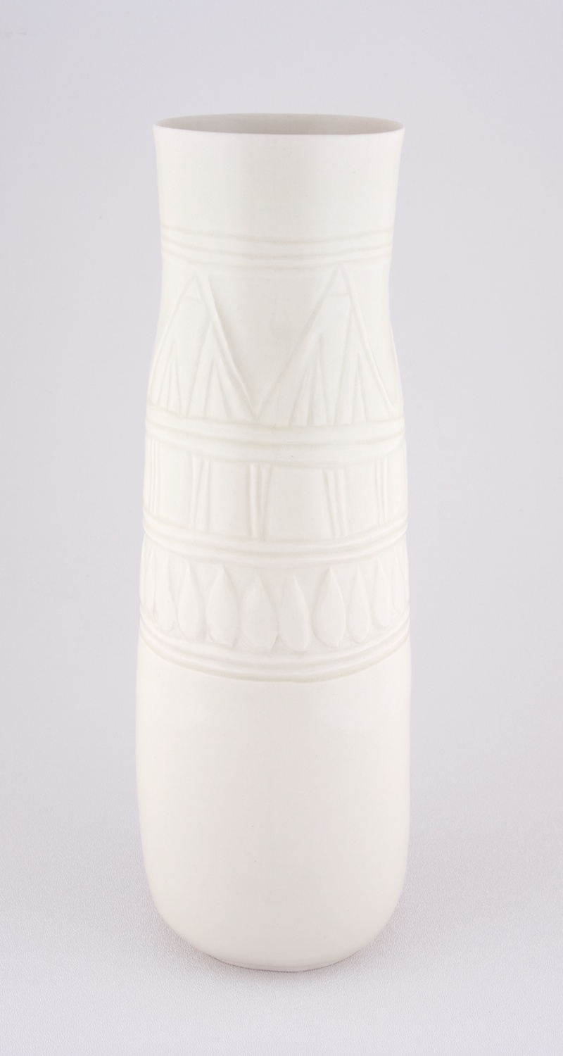 Shio Kusaka  Untitled (marble carving 1)  2009 Porcelain 10h x 5 ½w x 5 ½d in SK025