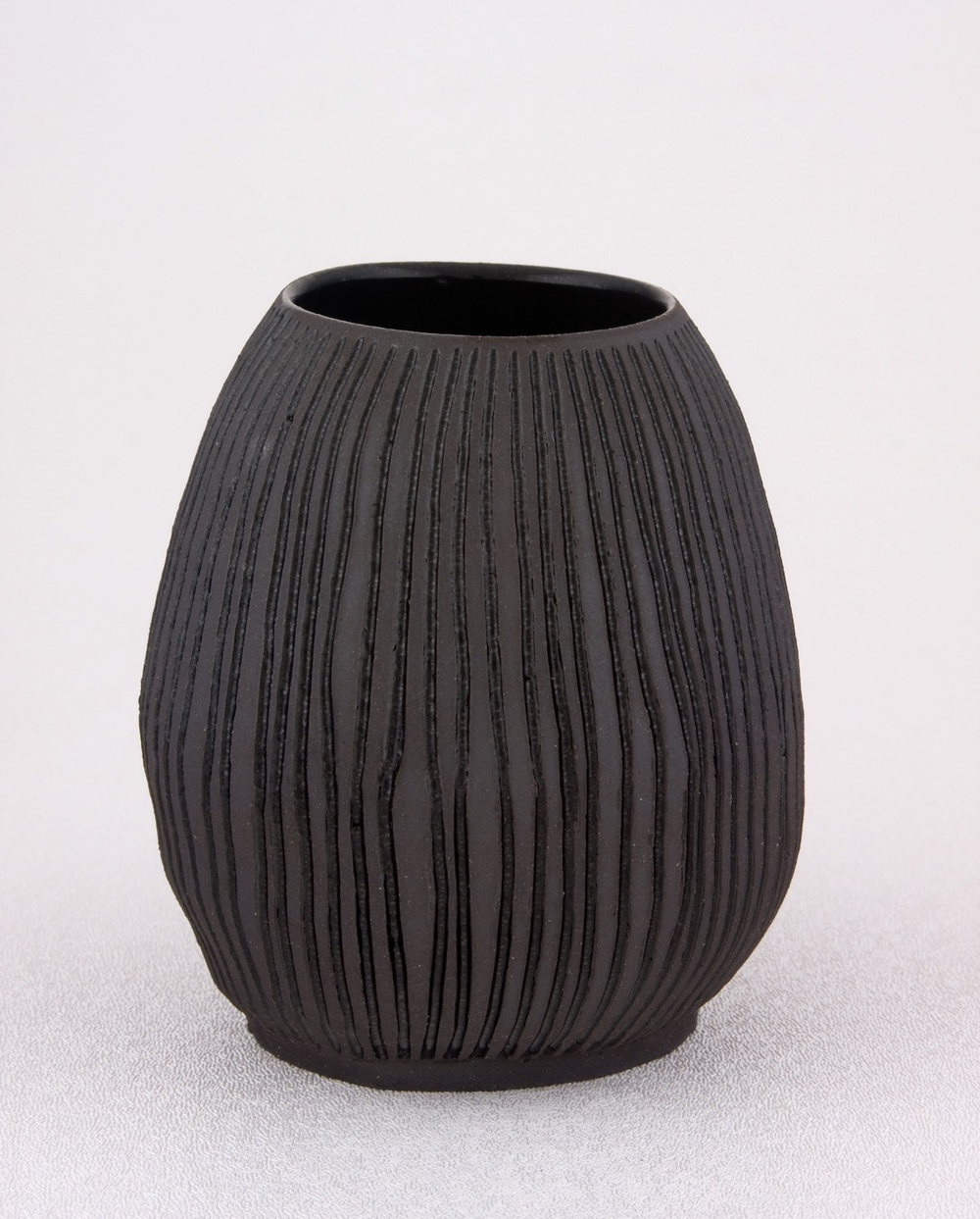"Shio Kusaka Untitled (carved stripe 1) 2009 Stoneware 4 1/2"" x 4"" SK021"