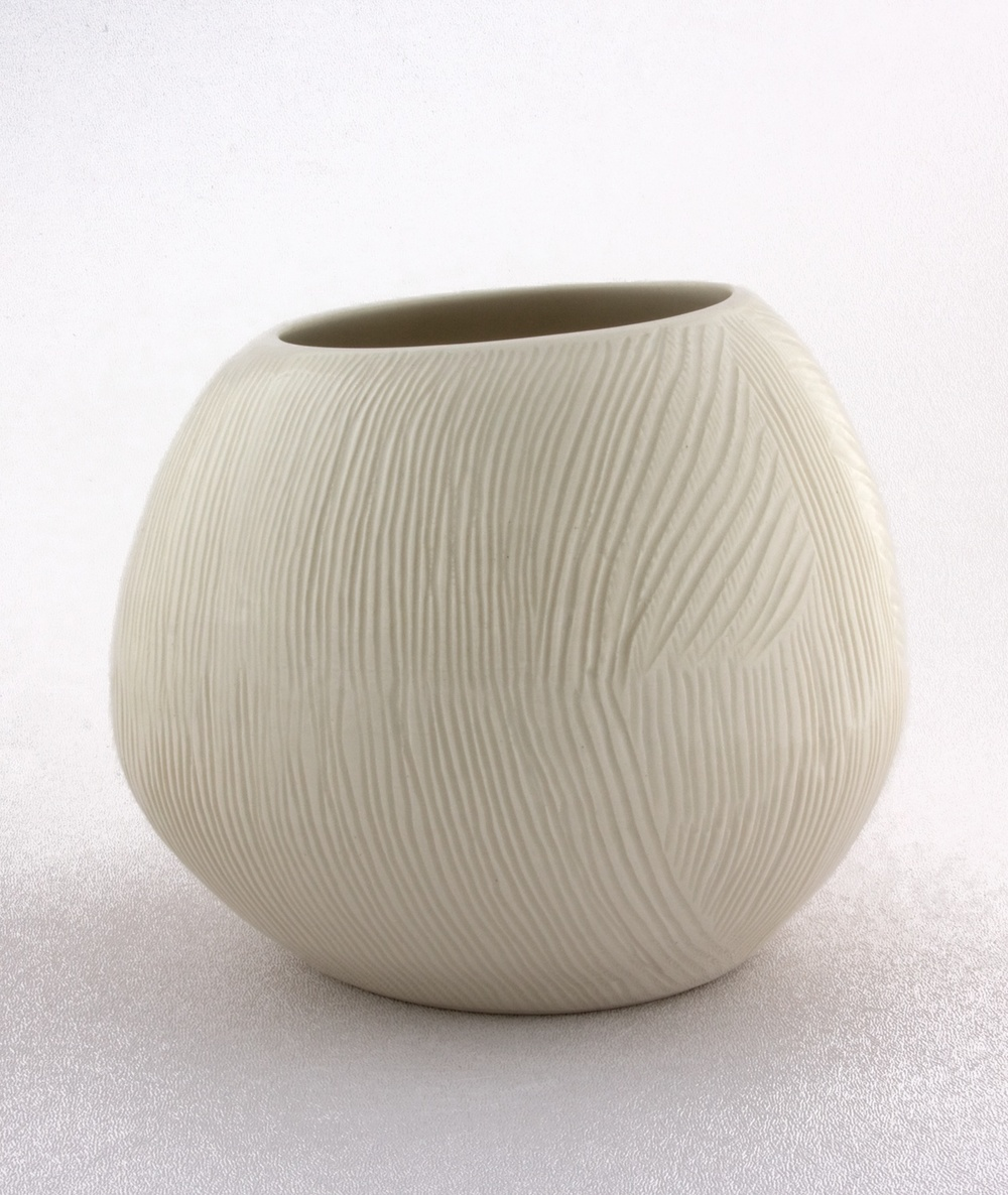 "Shio Kusaka Untitled (freestyle 1) 2009 Porcelain 5"" x 6"" x 6"" SK003"