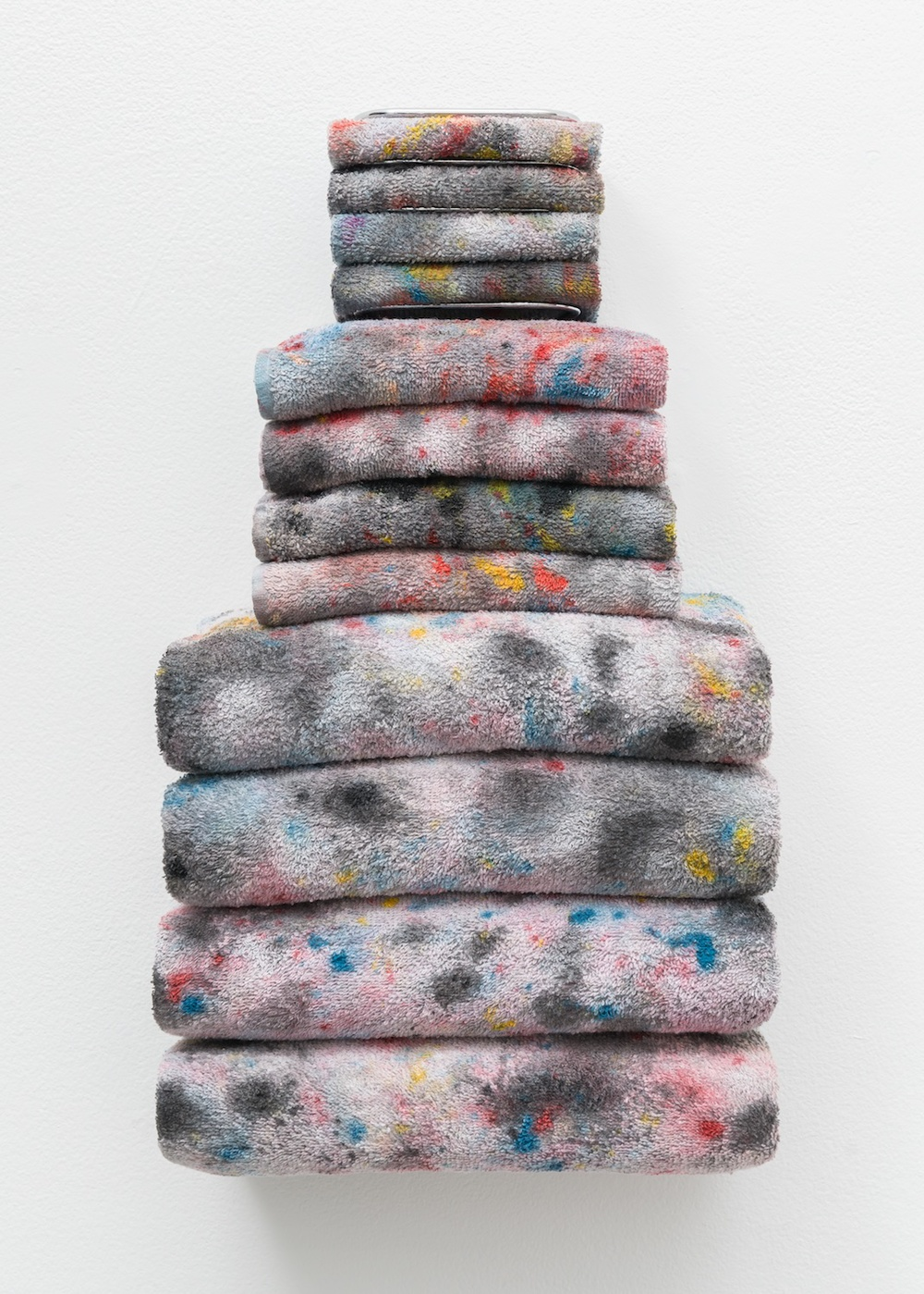 "Amanda Ross-Ho Untitled Textile Arrangement (TOWEL RACK #4) 2014 Chrome towel rack, acrylic and dye on washcloths, hand towels and bath towels 21"" x 11 ½"" x 7"" ARH105"