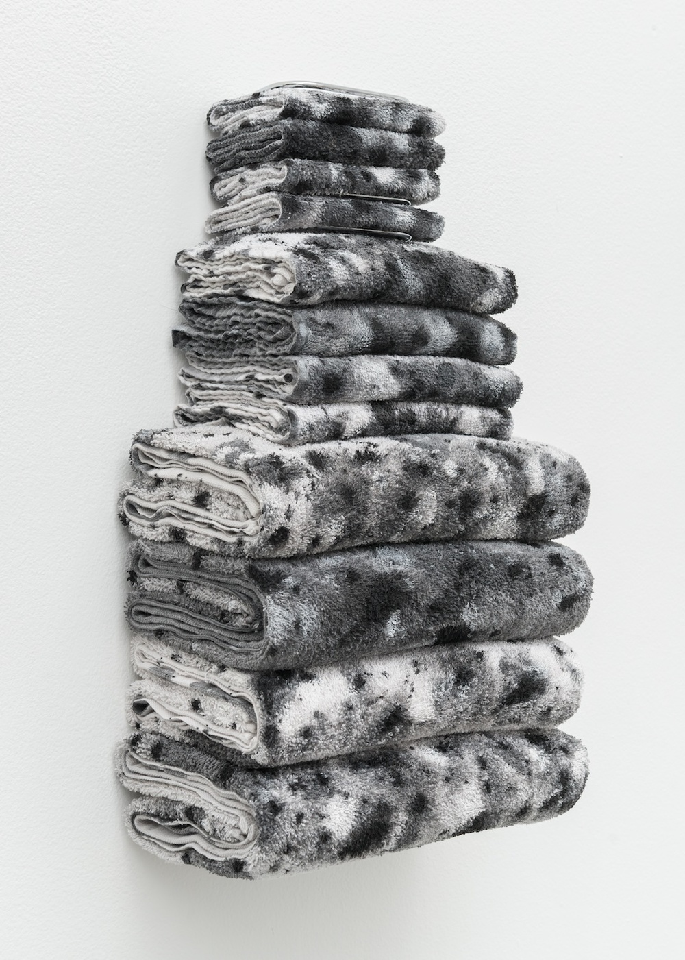 "Amanda Ross-Ho 2014 Untitled Textile Arrangement (Towel Rack #3) Chrome towel rack, acrylic and dye on washcloths, hand towels and bath towels 21"" x 11 ½"" x 7"" ARH104"