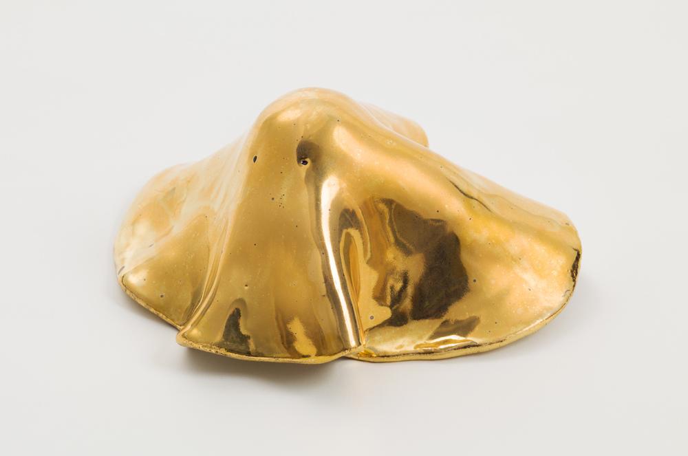 Miki Mochizuka  Gold Ghost  2016 Ceramic, gold 6.5h x 5.91w x 3.15d in (16.5h x 15w x 8d cm) MikiM020
