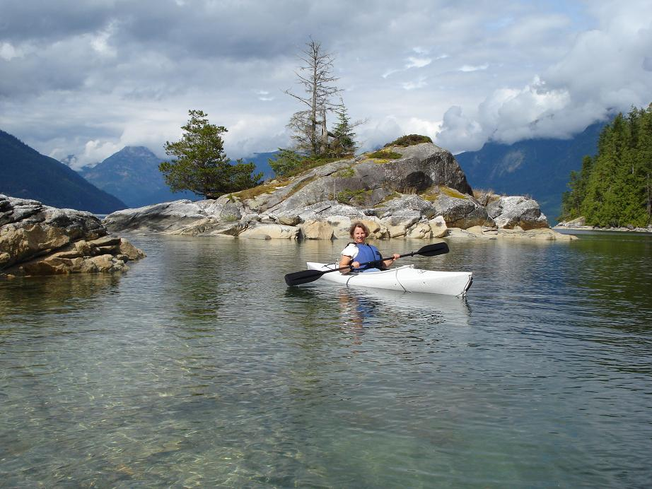 Nina kayaking in Desolation Sound, BC. (Image via Nina Munteanu)