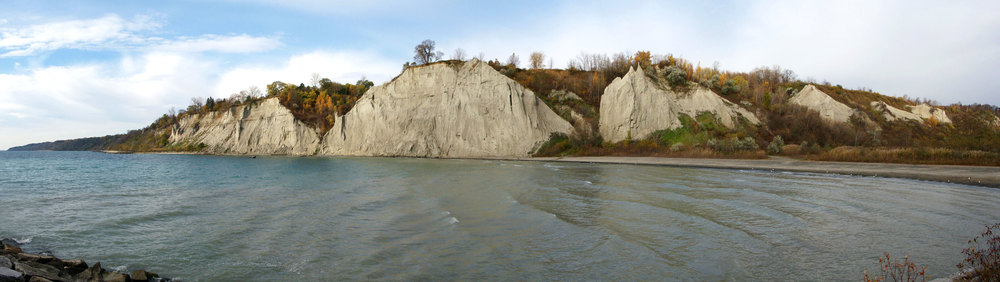 Panorama of Scarborough Bluffs looking across the cove from Bluffers Park. (Photo by  Chris Kalbfleisch )