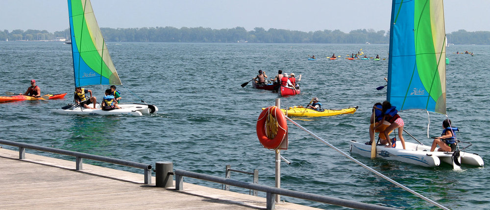 Sailors and paddlers found along Toronto Harbour.  (Photo by Ruby Pajares)