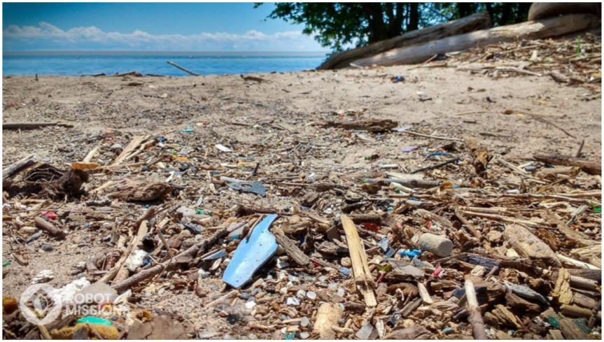 Fragments of plastic at Sunnyside Beach, Toronto, ON