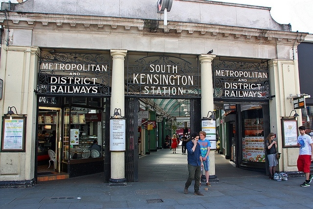 This is how the Underground Station looked in clayton's 'hood on my first visit to London