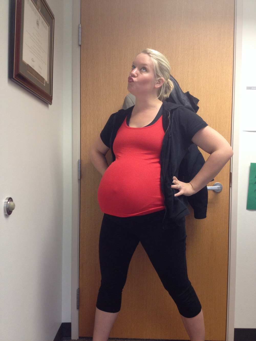 I can doooo it! 8 months pregnant, going to class.