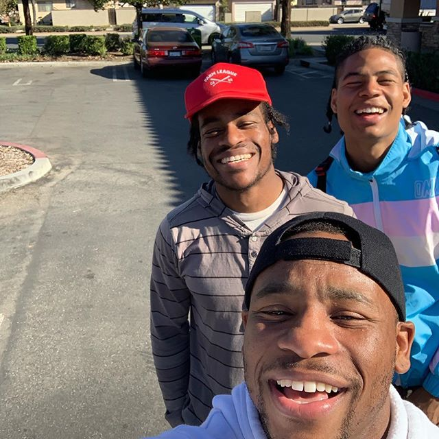 My boy @poemsfrompluto on a world tour from #australia 🙌🏾 told me he was in the city and he wanted to link up and we did just that...He don't wanna leave now and she tried to hide from the camera hahaha #talented #young #man #california #losangeles #boxing #goodtimes #goodvibes #goofy #connectingworlds #lol #lifestyle #family #trinidad #brother #hustle #black #following #dreams #living #onbehalfofthefederation #champions #art #photobomb