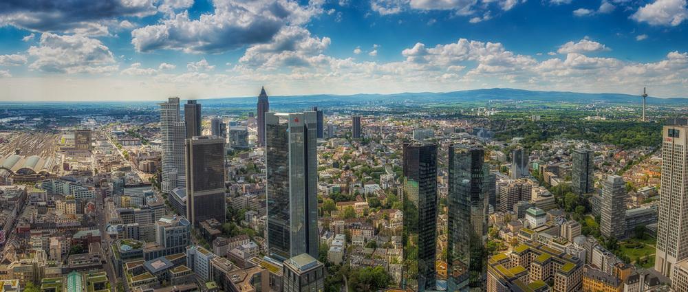 robertzech_frankfurt_skyline.jpg