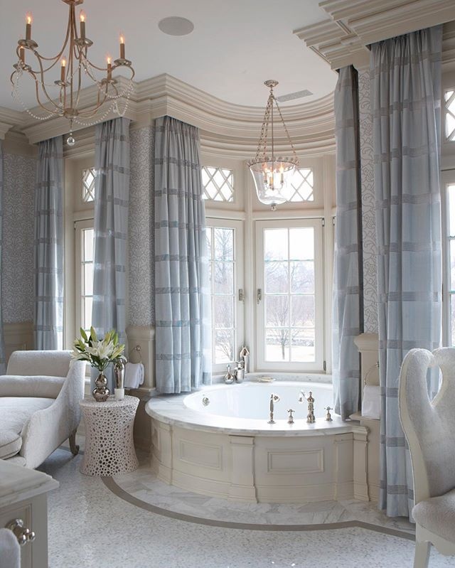 Take me away 🛀 This bathroom we designed ten years ago just never gets old 💙 Published in Cindy Rinfret's @rizzolibooks Greenwich Style: Inspired Family Homes and on the cover of @luxemagazine #greenwichstyle #bathroomgoals #luxurydesign #ihavethisthingwithbaths 📷 @mpproductions Styling @dunesandduchess