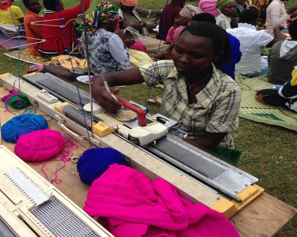 Artisans at the Kayonza cooperative