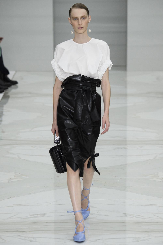 Salvatore Ferragamo SS16 - Paper bag waist