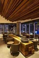 Starbucks_Taikoo_Li_Sanlitun__eclectic_chic__24-hour_store.jpg