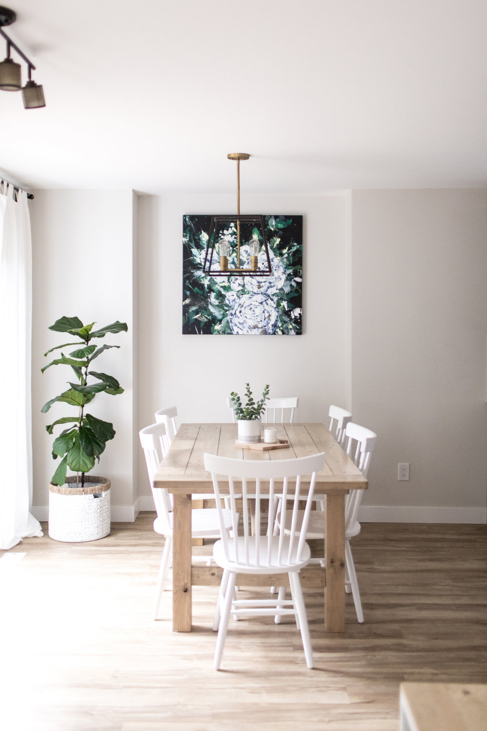 Dana/Mooney/Vancouver/Artist/Tumbling/Peonies/Styled/Dining/Room