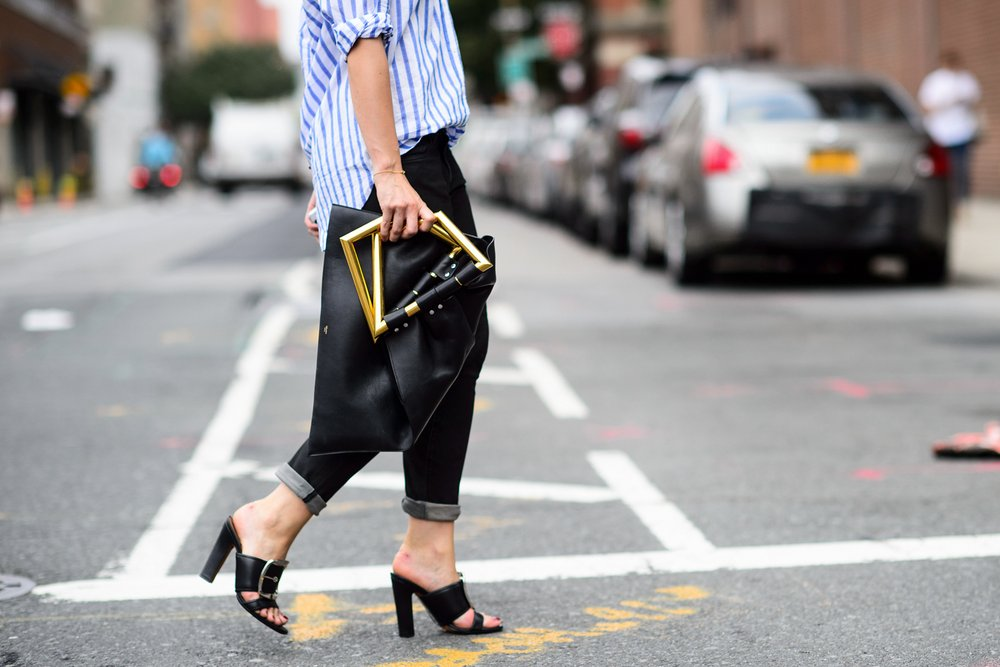 studded-hearts-NYFW-Spring-Summer-2015-shows-streetstyle-celine-geometry-bag.jpg