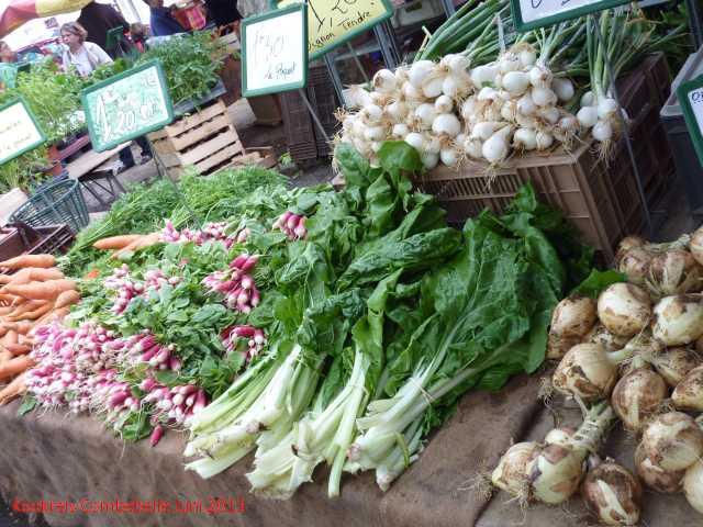 St Chinian Markt (14).jpg
