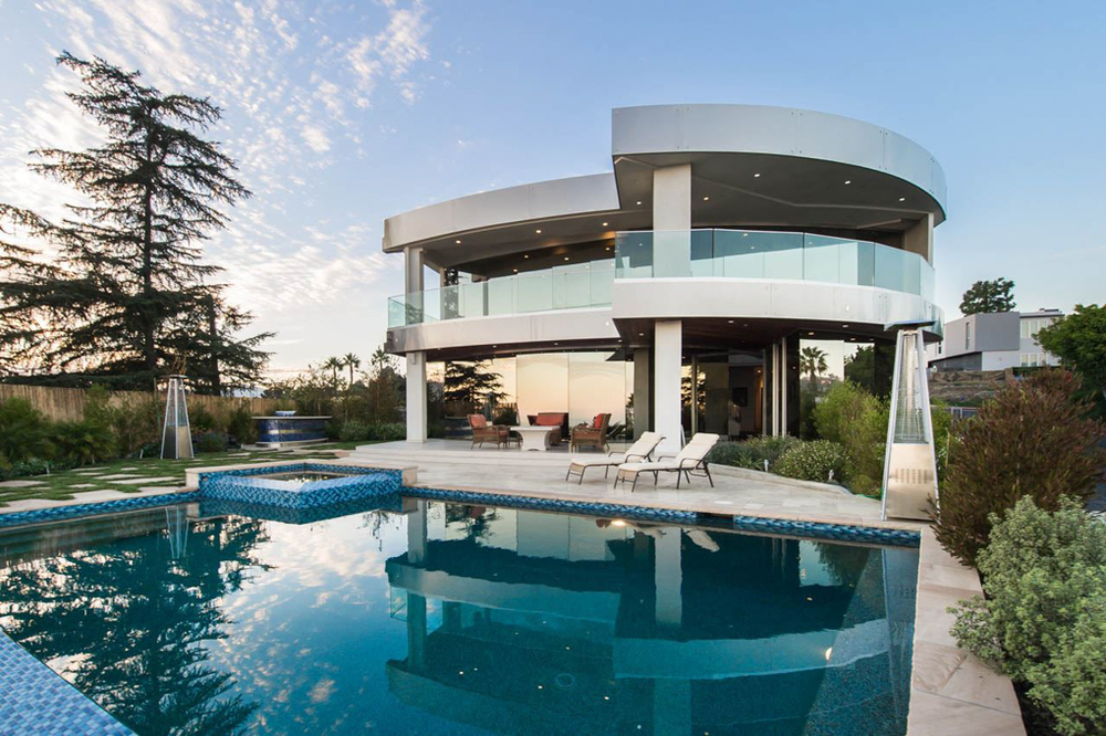 Image of The Hercules Estate, a house in Los Angeles, available for filming - via LocationsHub.com.