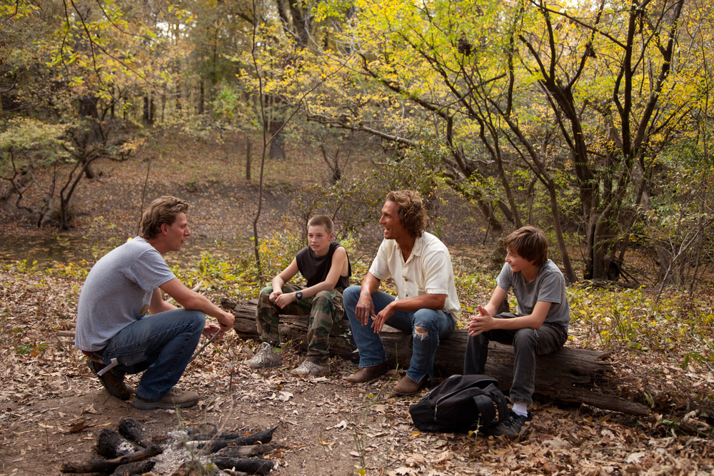 PHOTO CREDIT: Jeff Nichols directs McConaughey, Sheridan and Lofland on the set of Mud (photo from IMDB).