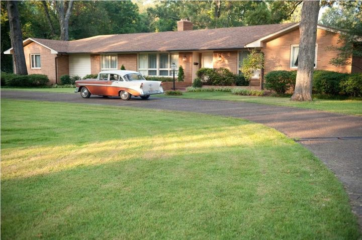 Image of Elizabeth's house via Google.