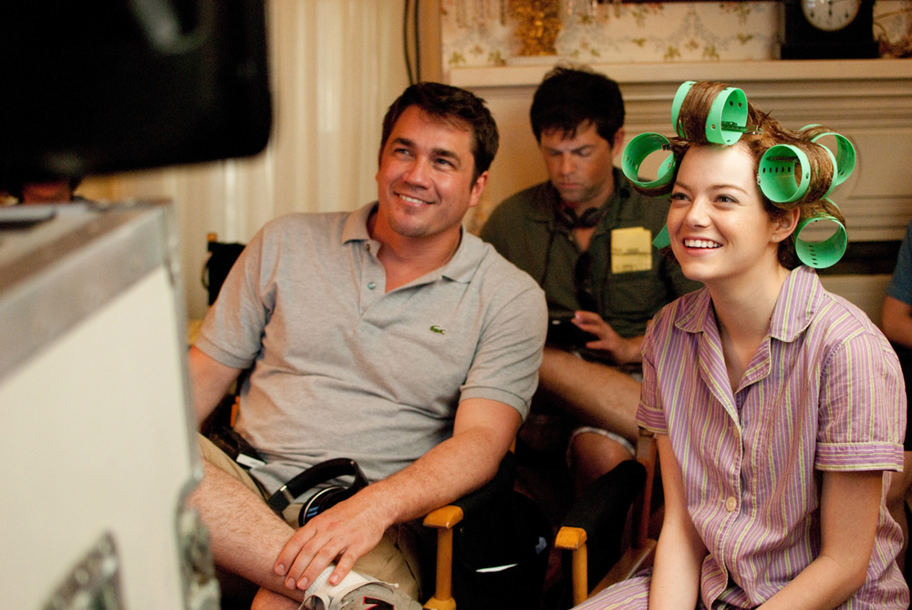Photo of Director Tate Taylor (left), Brunson Green (center), and Emma Stone (right) on set is from here.