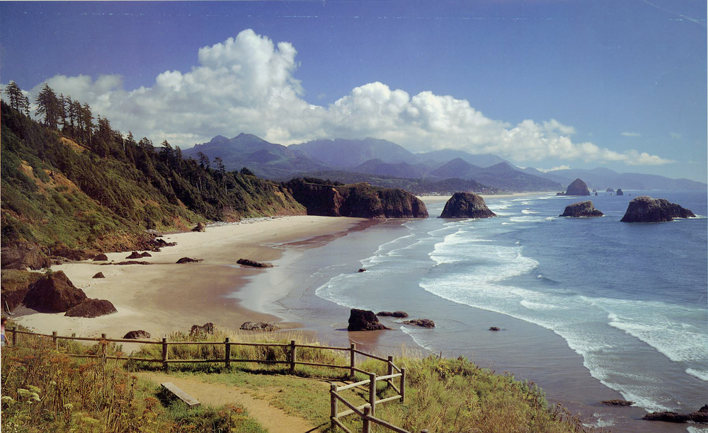 Indian Beach in Cannon Beach's Ecola State Park - image via  LocationsHub .