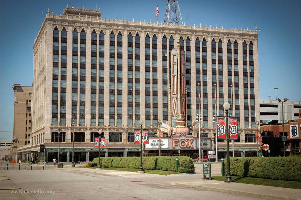 The Fox Theater, another Detroit landmark - image via  Google .
