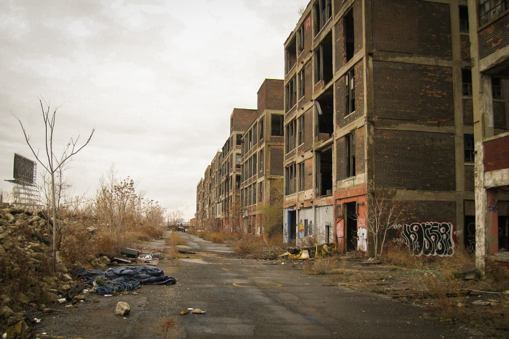 The abandoned  Packard Plant  in Detroit, Michigan. Image via  LocationsHub.com .