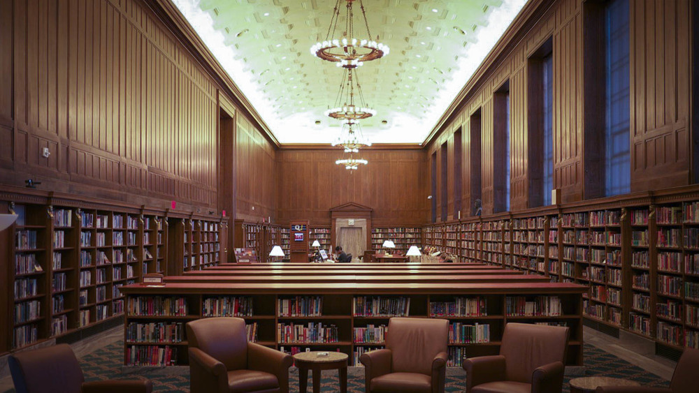 One of the reading rooms at the Central Library - image via   LocationsHub.com  .