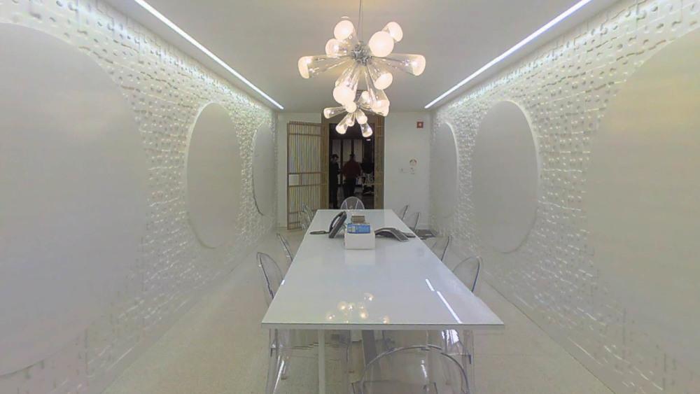 whiteroom-2.jpg