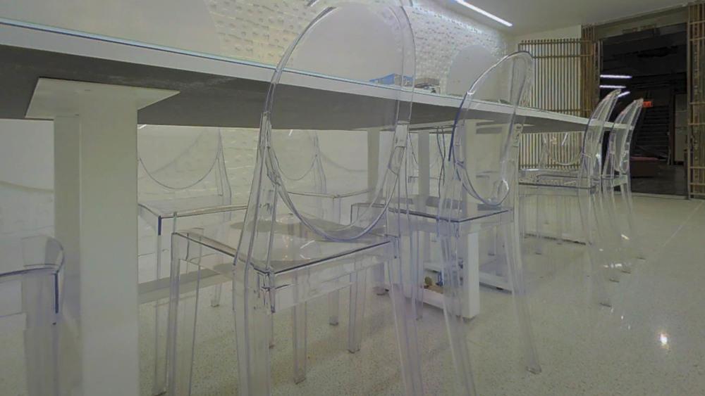 whiteroom-3.jpg