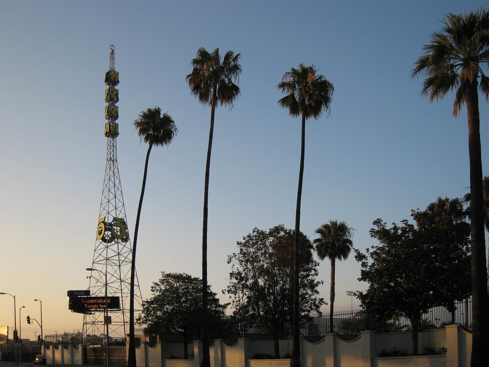 The exterior and tower of KTLA Studios in Los Angeles where Nightcrawler was filmed - image via Wikipedia.