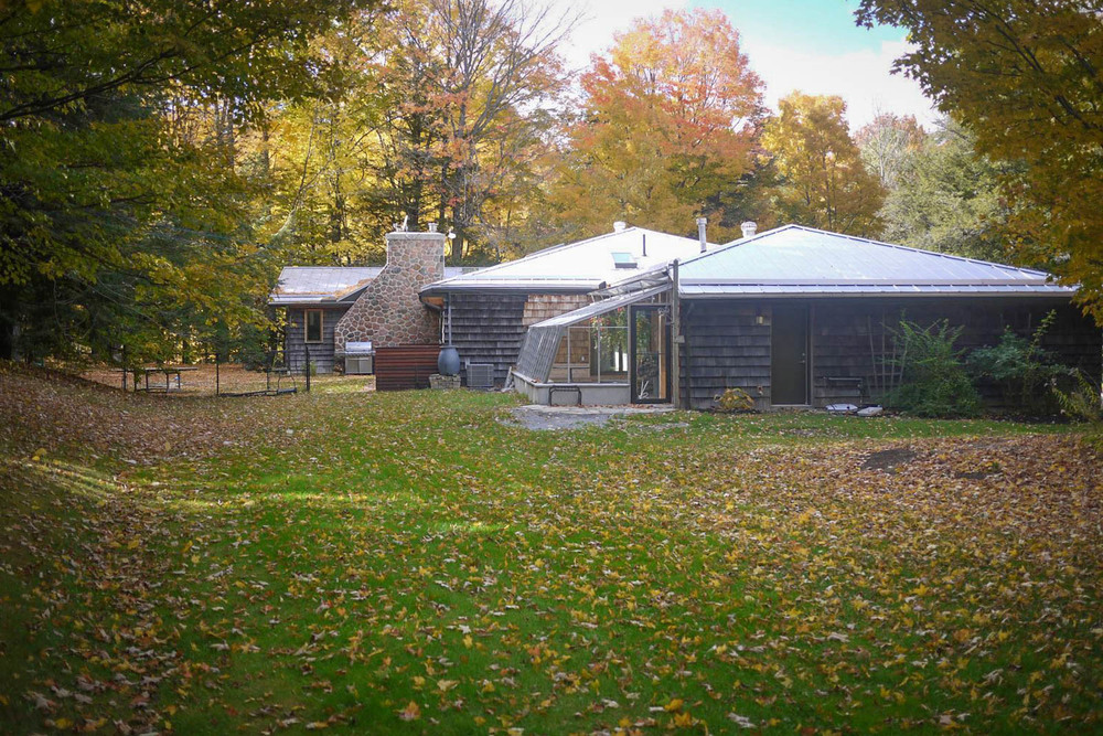 FEATURED LOCATION: Schomberg Modern Bungalow in Forest Setting ...
