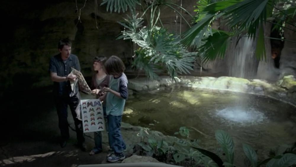 Screenshot from Boyhood of a scene filmed at the Cockrell Butterfly Center featuring Mason Sr. (Ethan Hawke), Mason Jr. (Ellar Coltrane) and Samantha (Lorelei Linklater).