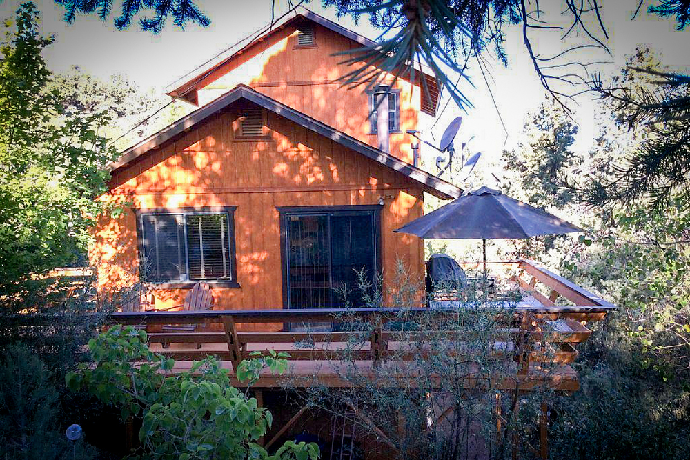 Nestled In The Los Padres National Forest, This Beautiful Modern Mountain  Cabin Is Part Of Pine Mountain Club, An Exclusive, Private Residential  Community ...