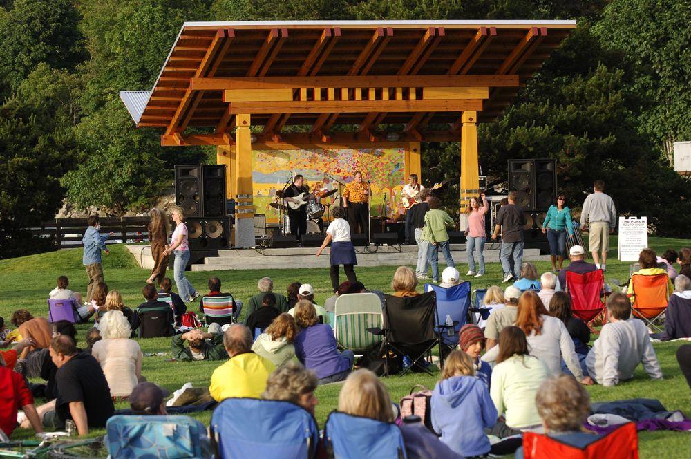 Bellingham Timber Frame Pavilion - Boulevard Park Concerts