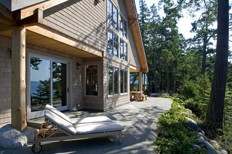 Modern Summer Home on Blakely Island - Outdoor Patio 2