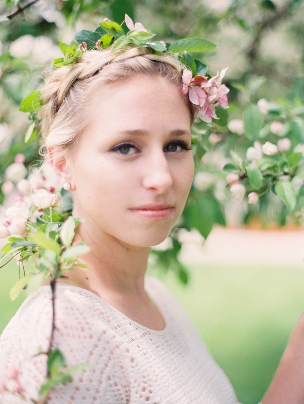 kateweinsteinphoto_molly_cherryblossoms5.jpg