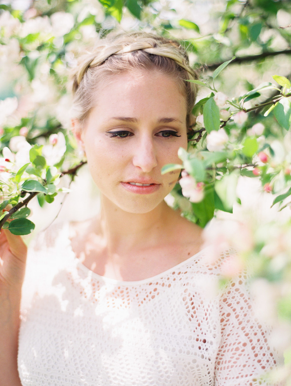 kateweinsteinphoto_molly_cherryblossoms8.jpg