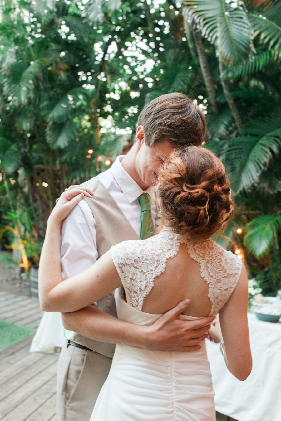kateweinsteinphoto_juliatodd_wedding_hawaii79.jpg