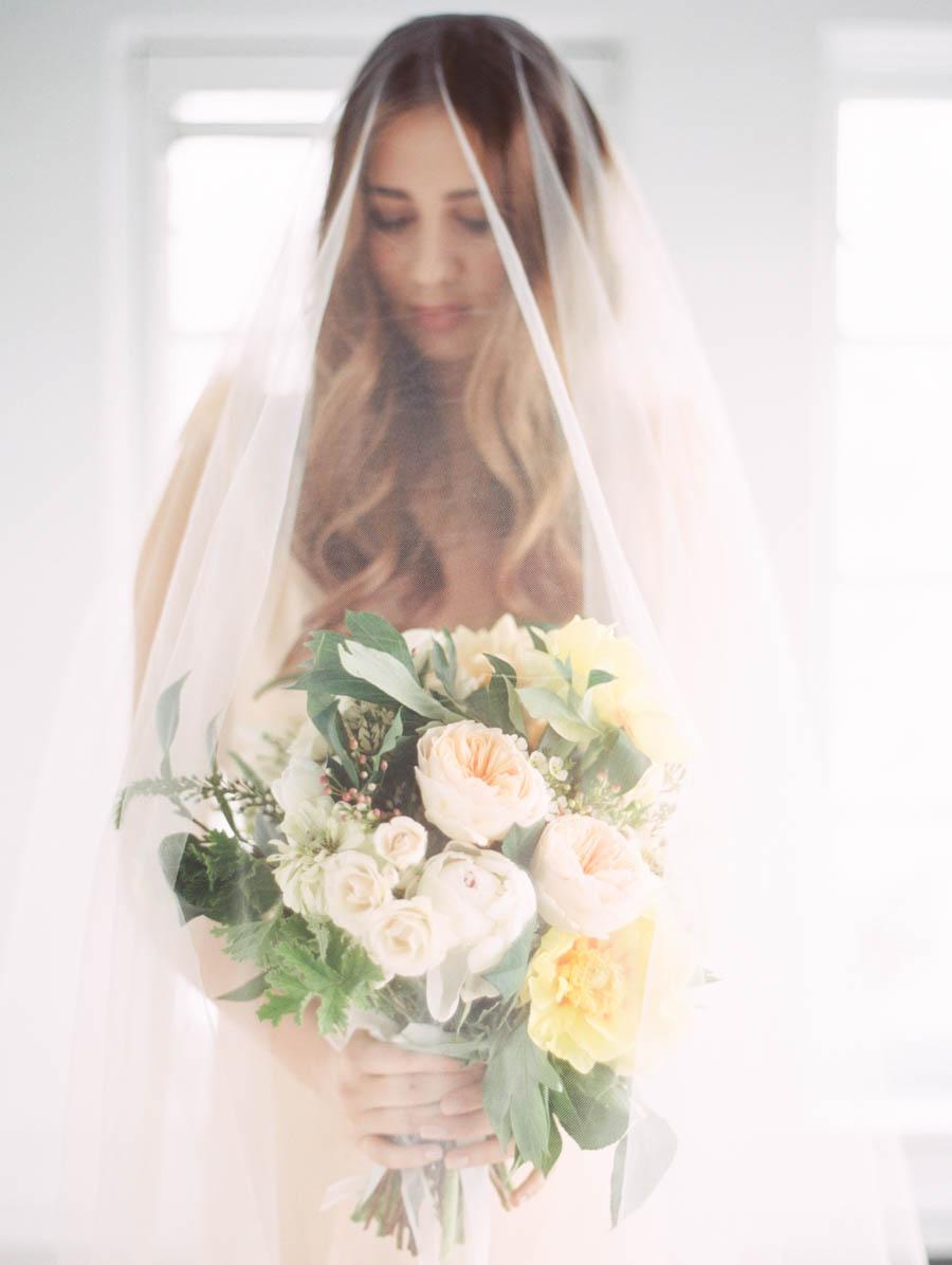 kateweinsteinphoto_wedding_stylemepretty_cheney_mansion_chicago_illinois106.jpg