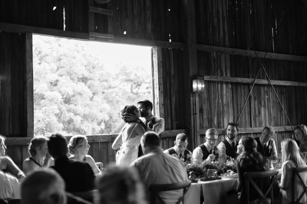 kateweinsteinphoto_farm_at_dover_milwaukee_wedding190.jpg