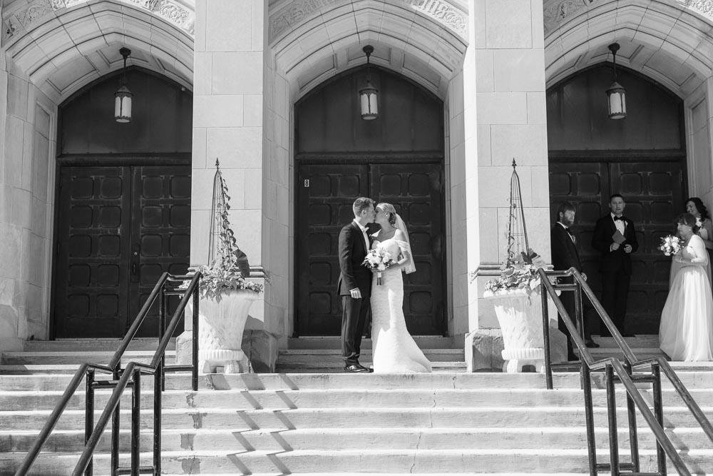 kateweinsteinphoto_milwaukee_pfister_hotel_wedding-128.jpg