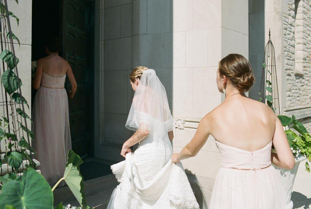 kateweinsteinphoto_milwaukee_pfister_hotel_wedding-131.jpg
