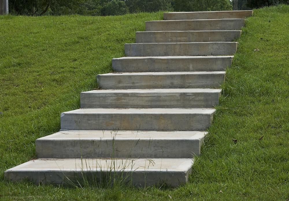 steps- canstockphoto0960713.jpg