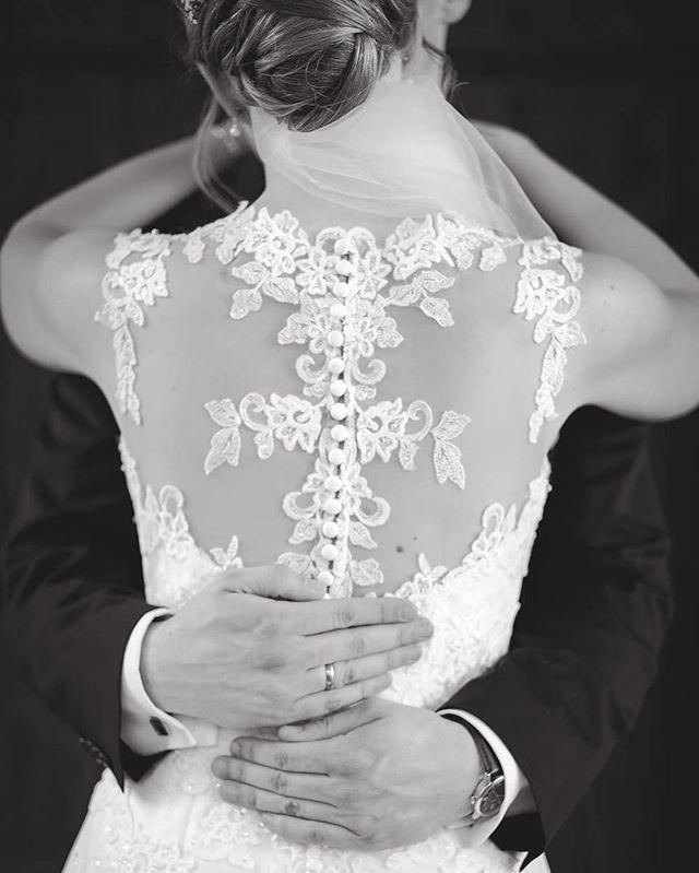 Just married  #wedding #weddingphotography #fujifilm #xpro2 #gettingmarried #gettingready #bride #groom #cologne #photographer #fuji #fujix100t #köln #bergischgladbach #hochzeit