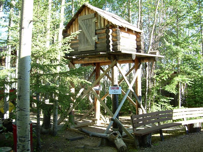 A structure on the grounds of the Fort Nelson Heritage Museum, a BCMA member. | Image: Fort Nelson Heritage Museum.