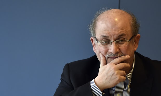 Veteran novelist Salmon Rushdie's latest book revolves around a Manhattan real estate mogul and his three wealthy sons. | Image: Gérard Julien/AFP/Getty Images